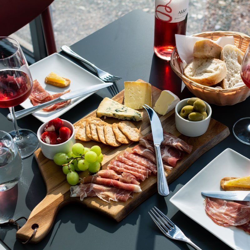 Vineyard tour & winemakers lunch for two - winemakers platter