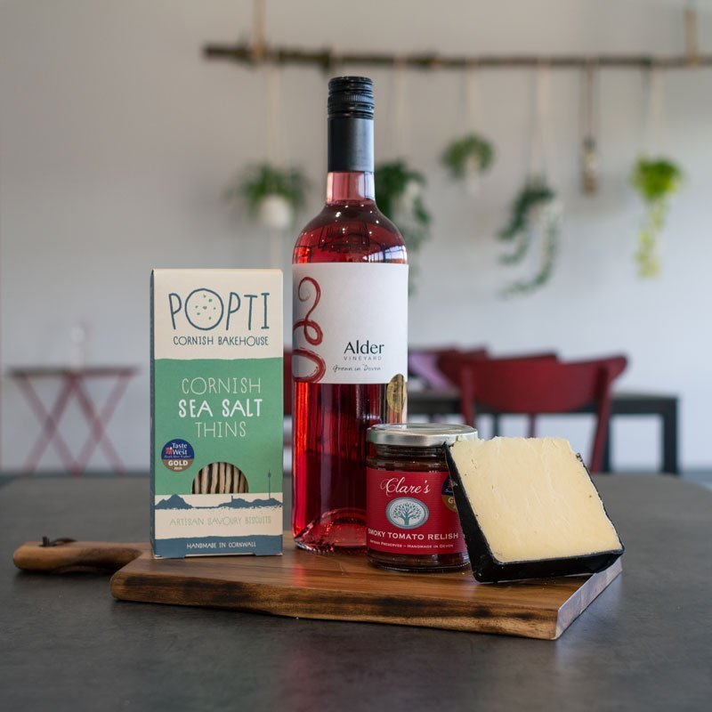 Rondo rosé + cheese pairing box